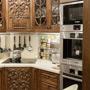 Rzeźbione dębowe meble kuchenne